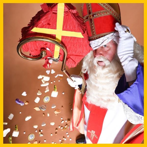Sinterklaasfeest_organiseren_voor_uw_bedrijf_dan_is_een_Sinterklaasshow_op_maat_de+oplossing