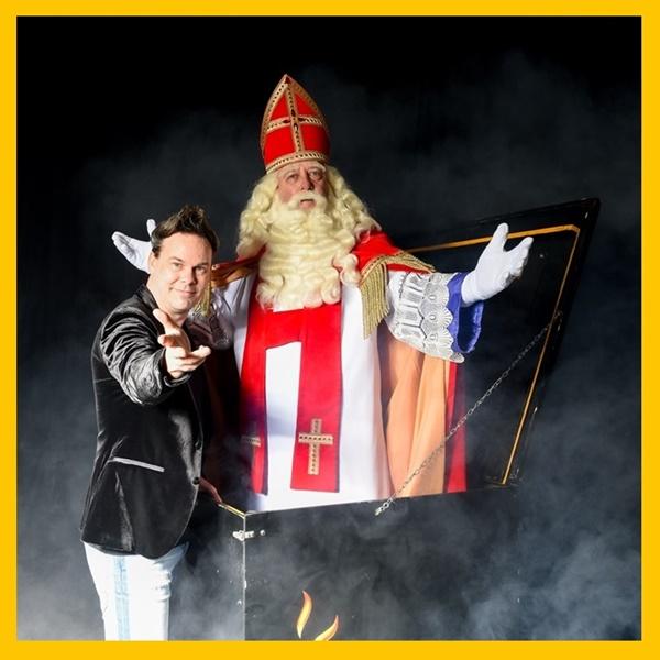 2-Sinterklaasshow-De_magie_van_Sinterklaas_sinterklaasfeest_voor_uw_bedrijf_of_werk-Vierkant-Origineel